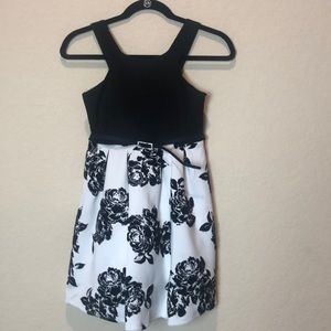💜3/25 Poppies and Roses black and white dress  10